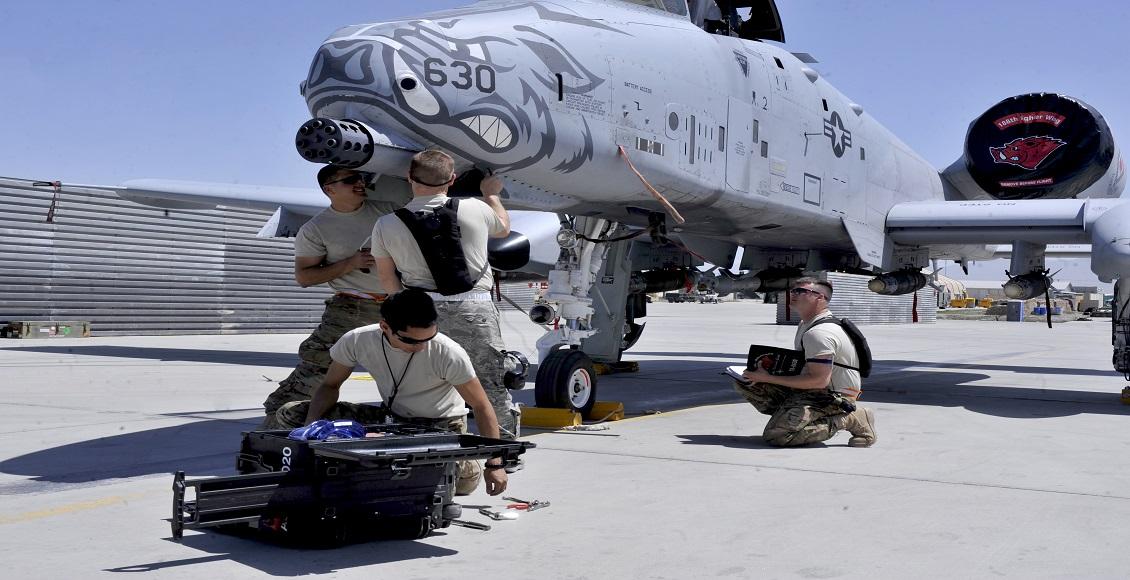 شغل تعمیر و نگهداری هواپیما